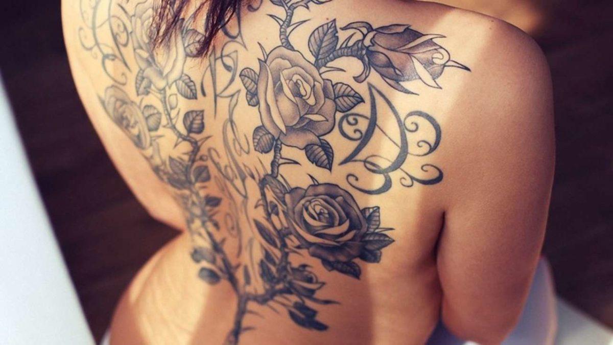 Татуировка на женском теле . Вы в лагере сторонников или противников?